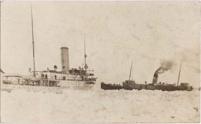 , {passengers being transferred over ice, probably from Minto (right) to Earl Grey (left)} (0636), PEI Postcards
