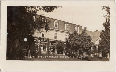 , Shaw's Hotel Brackley Beach, P.E. Island (0678), PEI Postcards