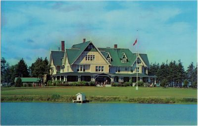 , The Island's Resort of Distinction. Dalvay by the Sea Hotel and Cottages. The House with the     Fascinating History (0764), PEI Postcards