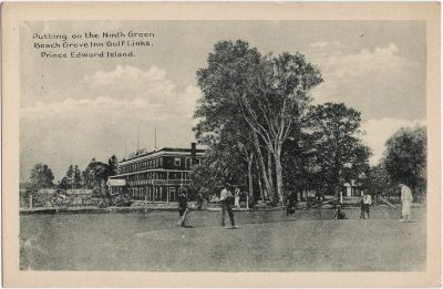 , Putting on the Ninth Green Beach Grove Inn Golf Links, Prince Edward Island. (2125), PEI Postcards