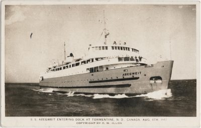, S.S. Abegweit Entering Dock at Tormentine, N.B. Canada Aug 8th, 1947. Copyright by D.W. Allen. (2373), PEI Postcards