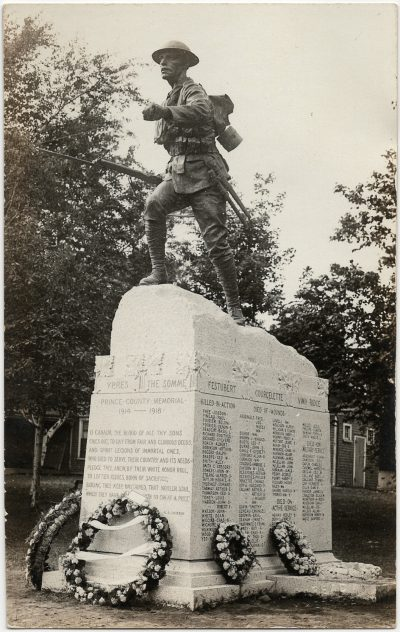 , Dominion Day 1922, monument unveiling in Dominion Park, Summerside. (3269), PEI Postcards